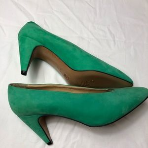 Vintage Bally turquoise suede heels Sz 8.5